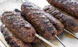 фото Острый кебаб из баранины и говядины